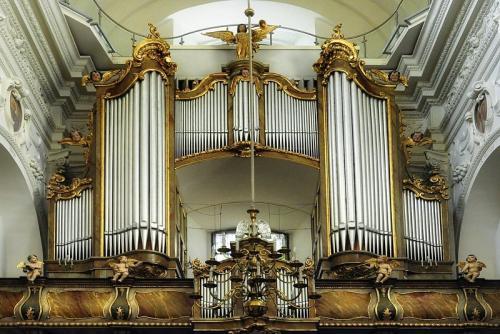 organy-w-Bazylice-Katedralnej